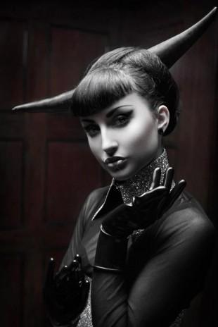 Model: Lisa Vandalism Designer: Danny Deluxe Latex Design Photographer: Silent View