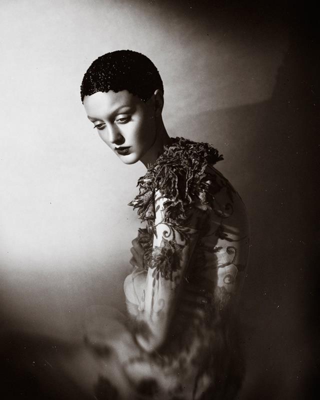 Elizaveta Porodina Nele Hmn Dark Beauty