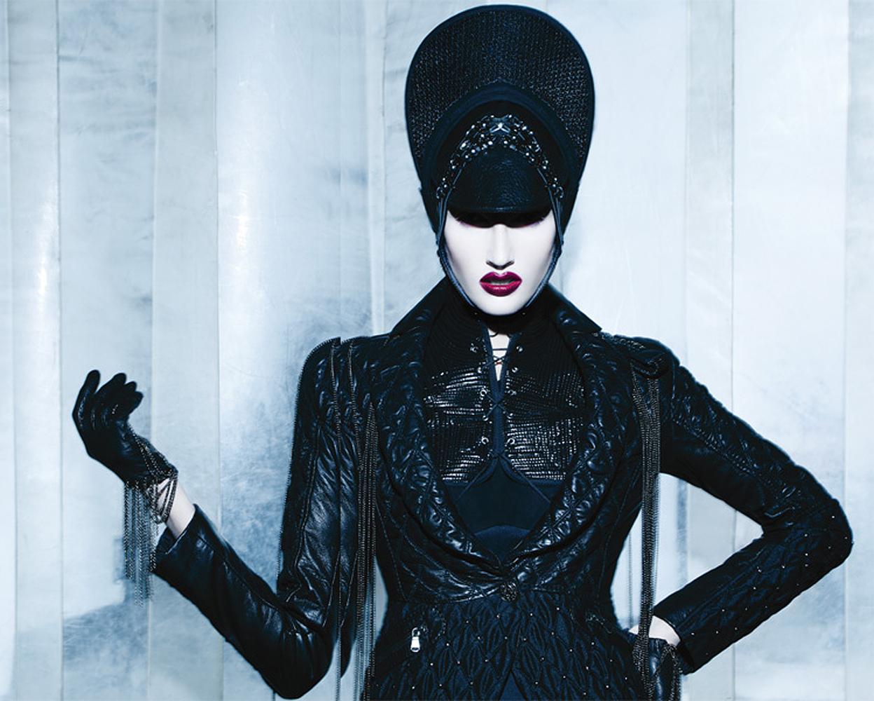 Paco Peregrin - Amanda Moreno - stylist Kattaca - hair:makeup Lewis Amarante