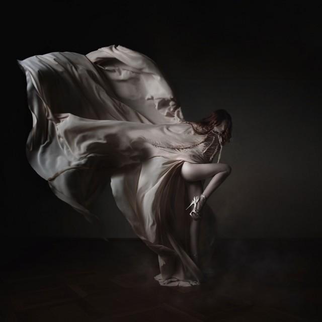Sylwia Makris - Flow