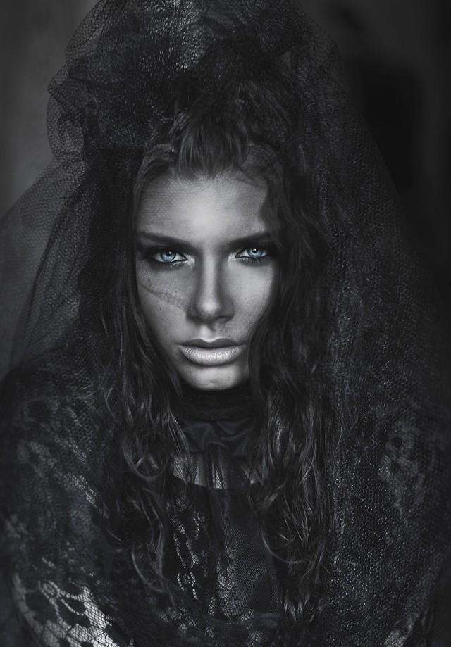 Amanda Diaz - Tori