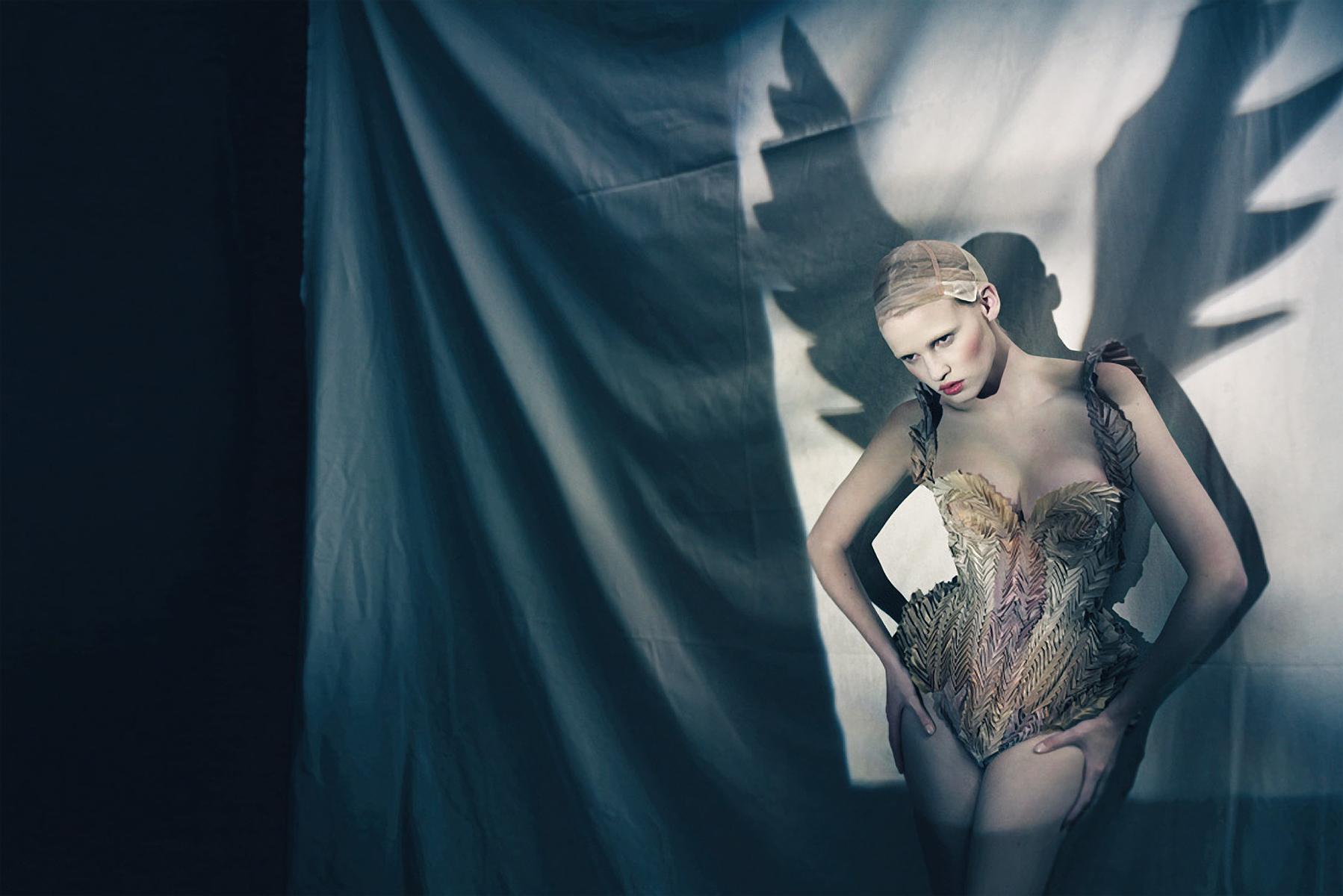 Paolo Roversi - Lara Stone - stylist Olivier Rizzo - designer Jean Paul Gaultier