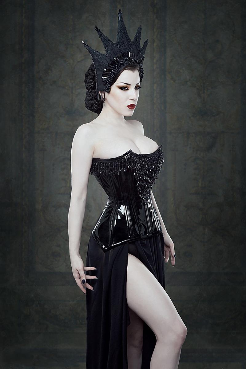 Iberian Black Arts – Morgana • Dark Beauty