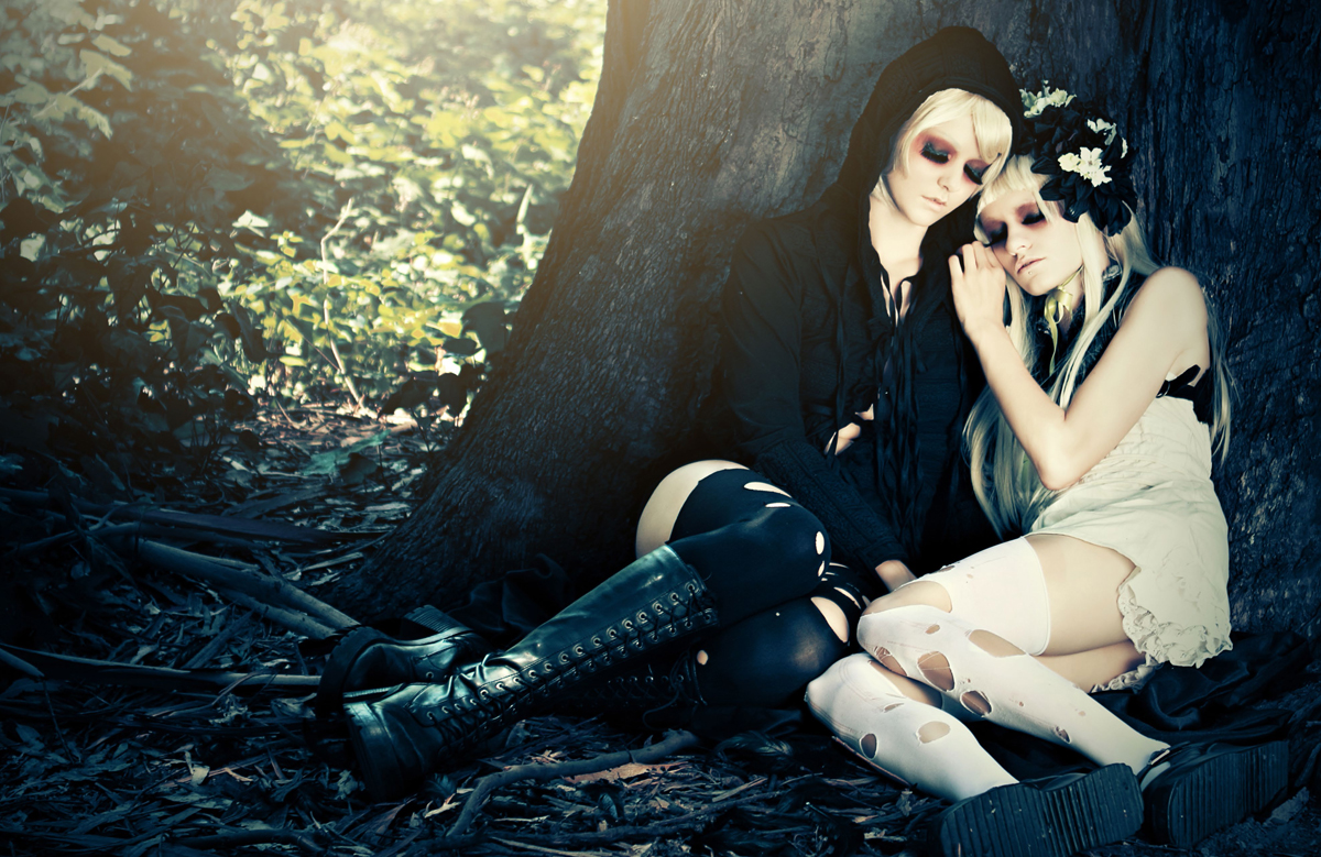 Dark High Fashion Photography Posted by: dark beauty