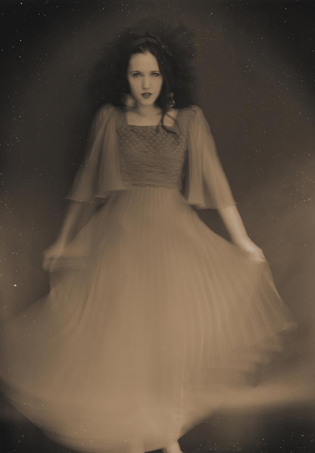 Reisinger Zsuzsanna - Dancing