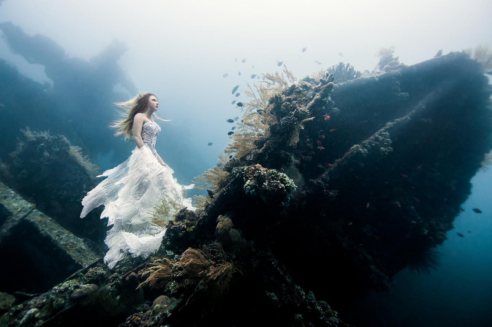Von Wong - Camilla Argent - makeup Yenny Gunawan - designer Ali Charisma - Deliverance