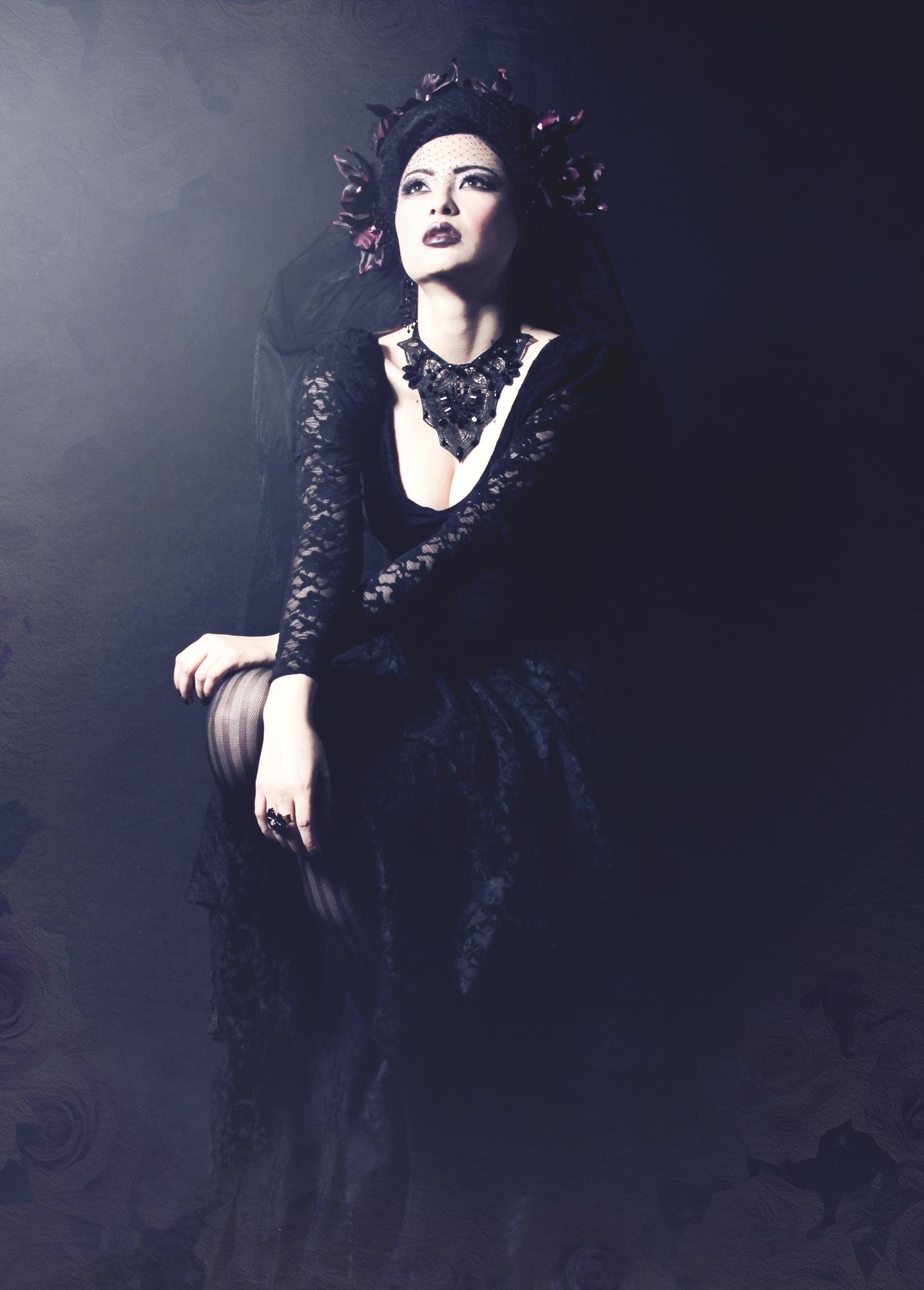 Silke Gabrielle - Lisa Ryland (Lisa-Kikui) - hair makeup stylist is phtog