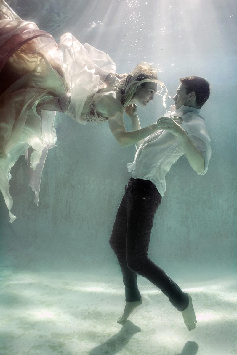 Ela Wlodarczyk Photography - Jennifer Ivey and Adam De La Mare - designer Isla Campbell Millinery and Costumery