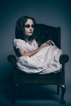 Annabelle Denmark - Amanda Smith - makeup Andi Johnson - designer Jessica Maclintock - Delirium