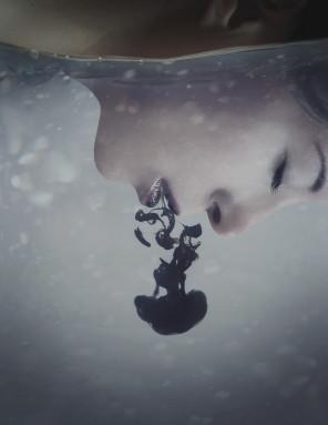 Carolina Heza (youarelightinthedark) - model is photog - Poison
