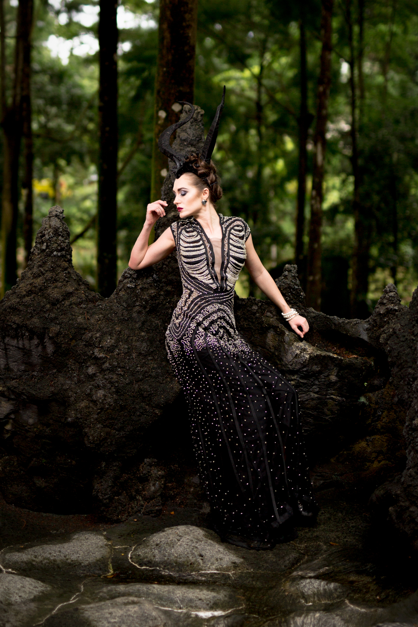 Corvis-Photography-makeup-Suzane-Calero-designer-Erwin-Lee-Tan-horns-Patrick-Starr-Isorena-accessories-Vhee-Co