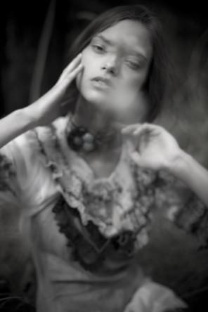 Kylie Stevenson (Kylie Faye Photography) - Ryonen Cava - designer Papusza Couture