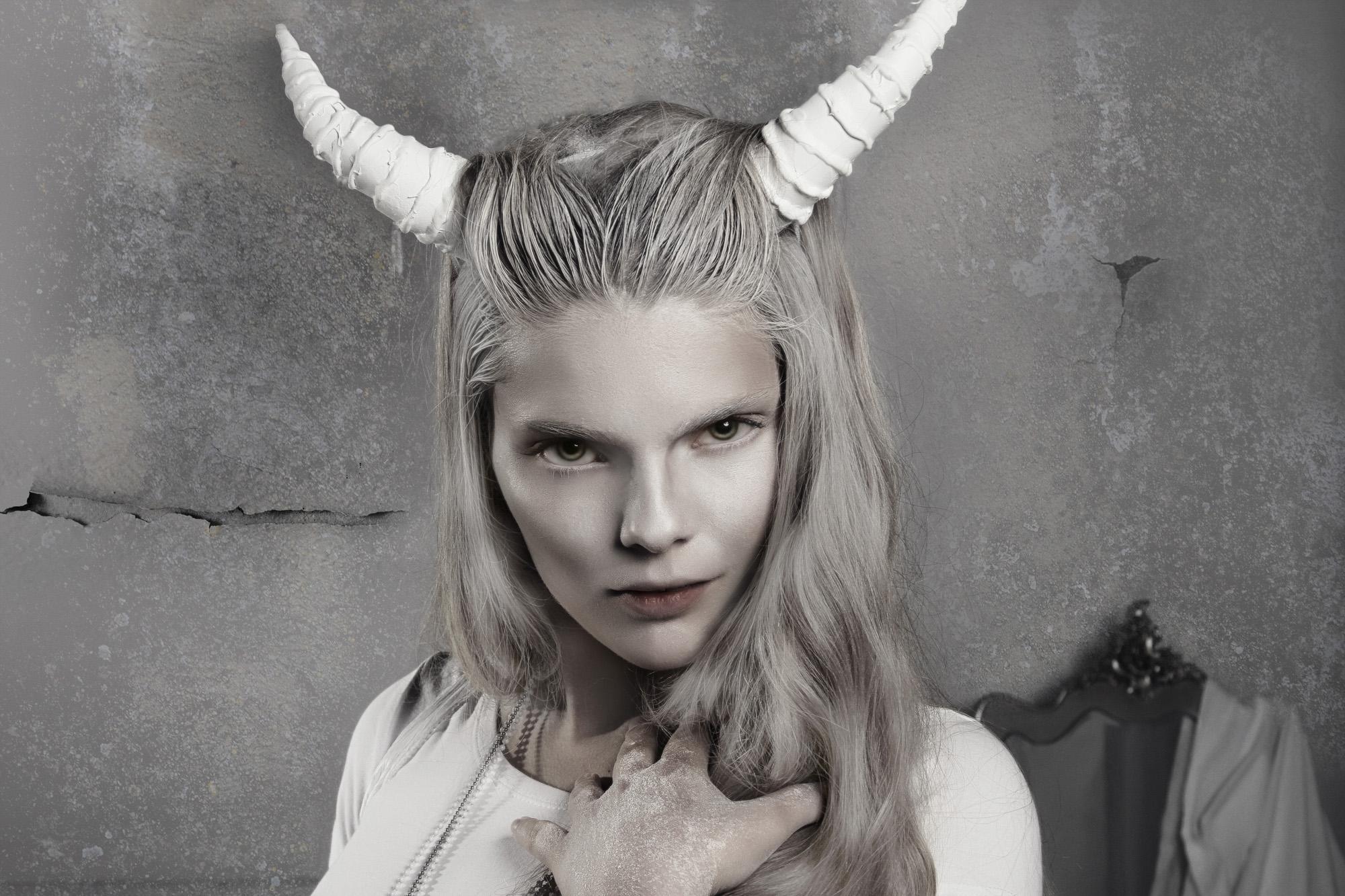 Sacha van Manen Photography (ismstudio.com) - Freeke den Dulk - hair makeup Dominique Haveman (InYourFaceVisagie and inyourfacevisagie.nl)