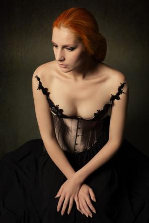 Katharina Tischer (Wechselspiel) - Nairon - designer V-Couture