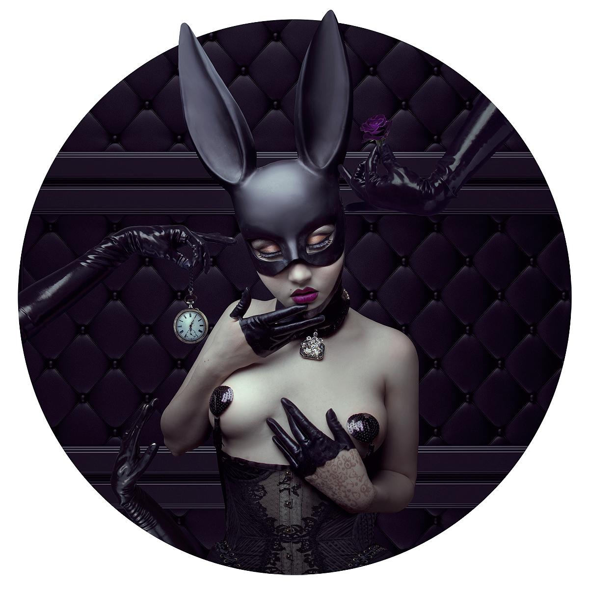 Natalie Shau - model is photog - Ultraviolet