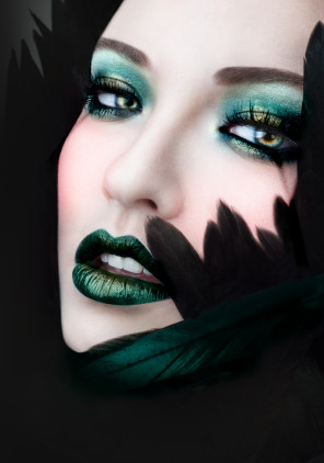 Olivia Lazer - India Gants - makeup Lis Krebs - Black Fantastic