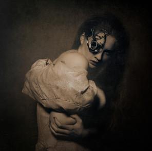 Daniel Matras Photography - Meggi Topczewska - mua Renata Bator Make Up Artist - dsg Katarzyna Koneczka - Mystery