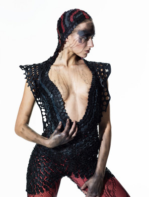 Arne Hoffmann Fotografie - Luise Schmidt - mua Karina Asmus Hair & Make-up Artist - sty Aleksa Kavalerchik - dsg Julia Starp Modedesign