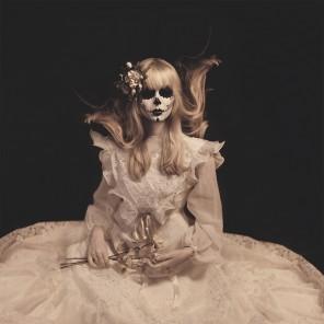 Janine Machiedo Photography - Jenny Siebert (modelpagejenny.s) - mua Rebecca Kindermann - Until Death Do Us Part