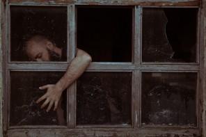 Angelo Mendula (AngeloMendulaPhotography ig angelomendulaphoto 500px.com:angelomendula) - Imprison(Head)