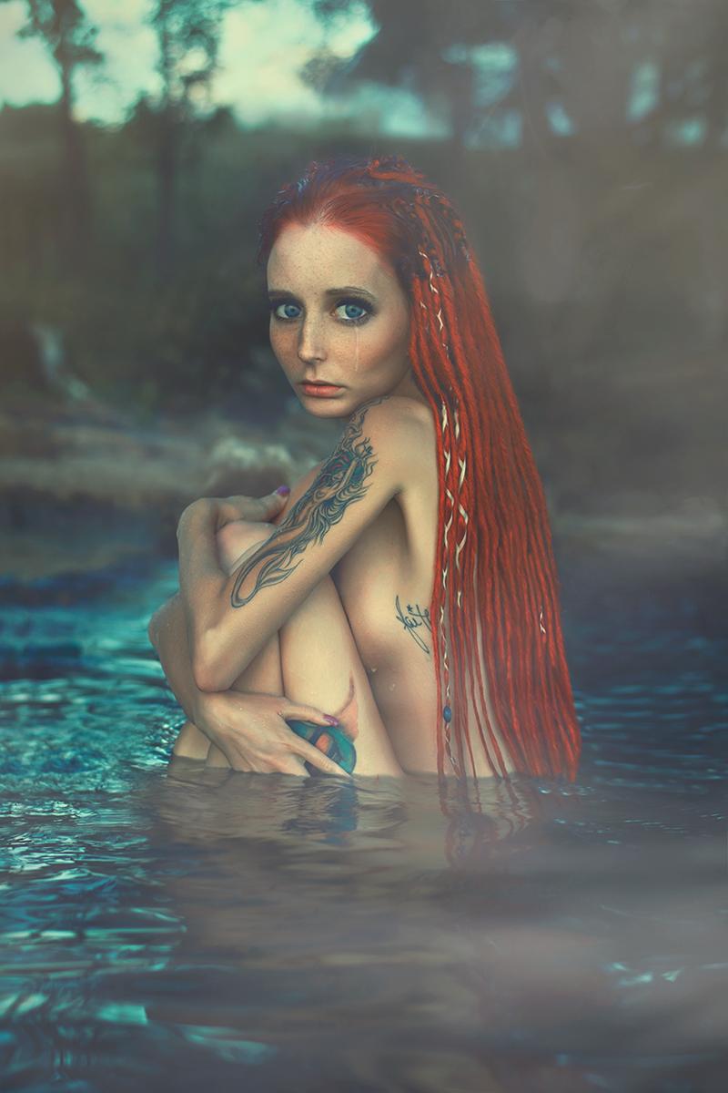 kelly-robitaille-afinelinedesigns-ig-afinelinephotography-lorrie-blais-lorrieblaismodel-mua-aly-goo-alygooart-water-goddess