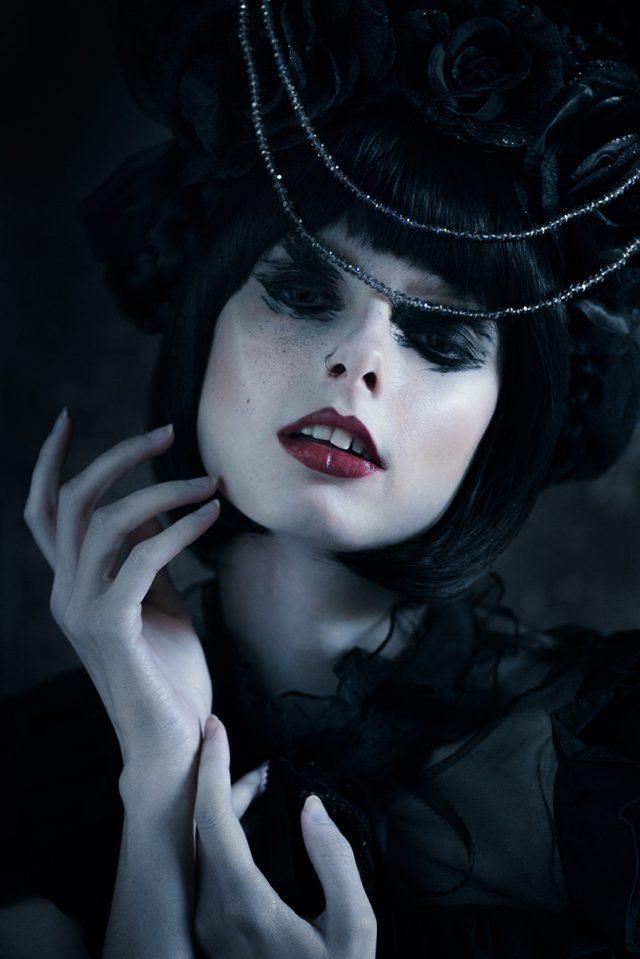 Elias Gubbels Photography (ig eliasgubbelsphotography) - foxandlionheart (ig fox.and.lionheart) - mua Vermeer-Make-up-Artistry-623770177773813 (ig vermeermua) - sty emmalynerosecouture (ig emmalyne.rose)
