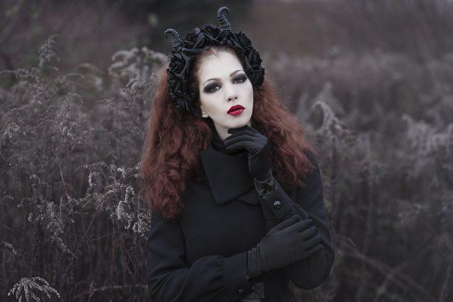 Leonie Roland (leosophiaphotography ig leosophiaphotography leosophia.com) - Stefanie Berberich (kayliesrina ig kxliiie__) - hmua Hanna Schmittdiel (ig hanna.glow)