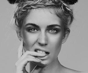 Maike Banger - Scarlett Simoneit