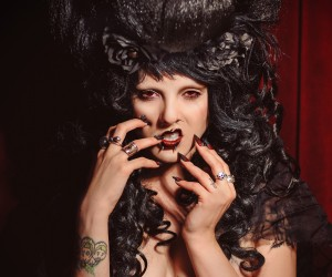 Shimona Henry - Spooksy DeLune