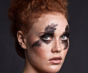 Tamara Specht - Black Swan