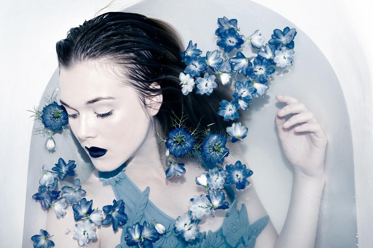 Editorial Photoshoot Models Bathtub Oona Smet Laurence O Dark Beauty