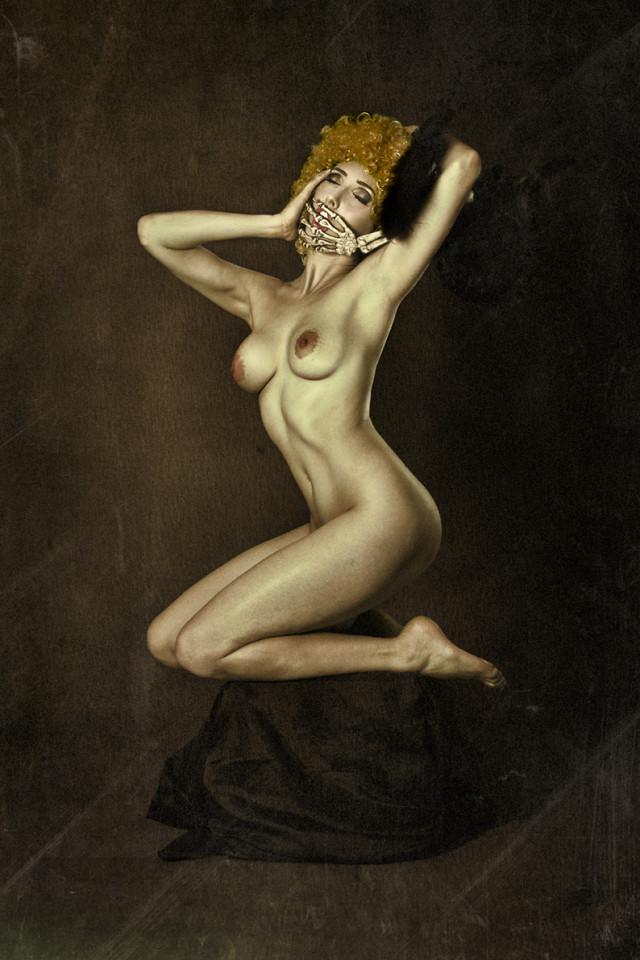 Lori Cicchini - Anoush Anou - concept retoucher is photog