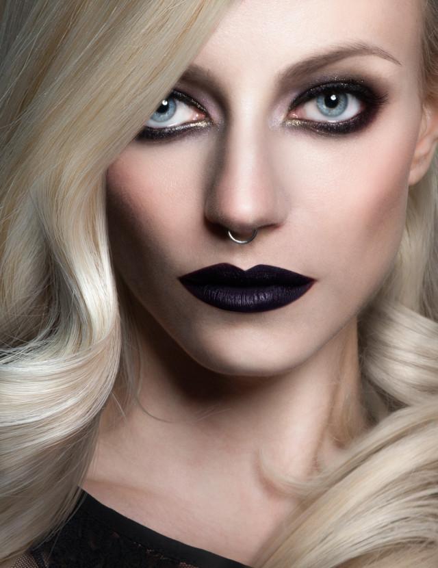 Olivia Lazer - Kay Whitney - makeup Lis Krebs