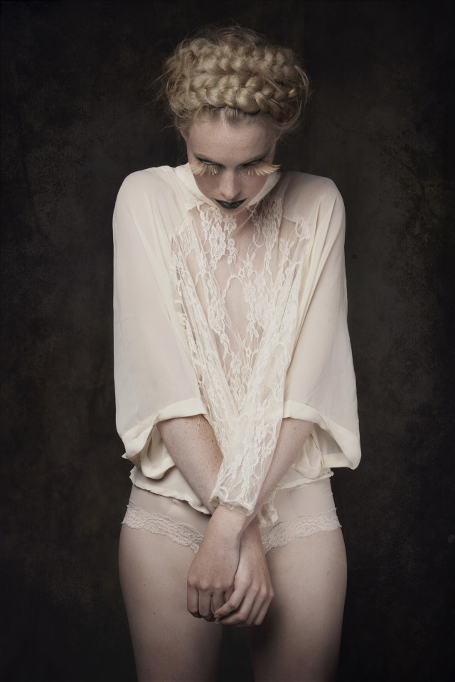 Izabela Bartyzel @ Fantomina Noir - Iris van der Sluis - hair Macik Bednarek - makeup Sara Conesa