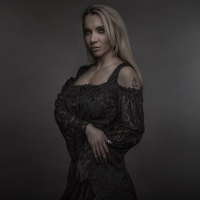 Tony Mandarich - Leiticia Pestova - mua Lindsey Benay