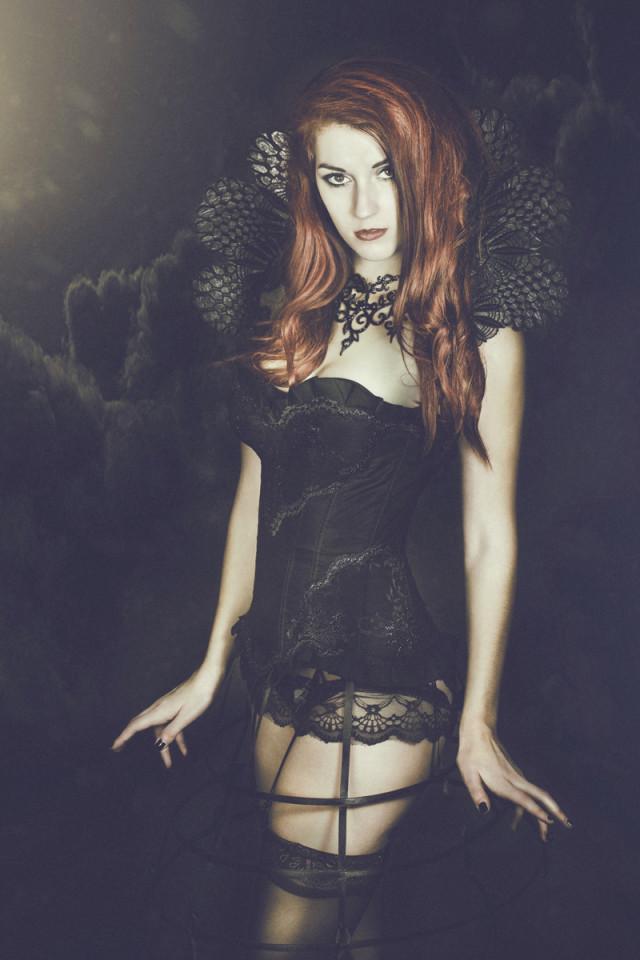 E-onel Photography - Lady Redstone - sty Atelier Selene de Violet