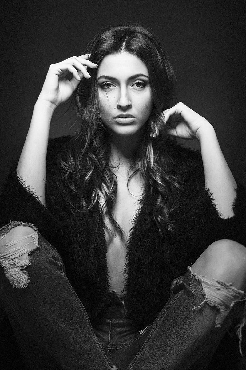Erika Albonetti nude 458