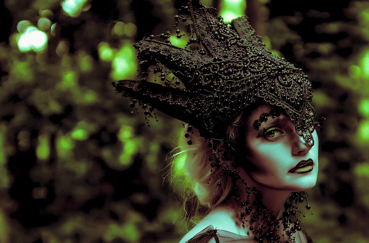 vadik-zibrov-ig-vadikzibrov-ksenia-ice-kseniaicevideo-ig-kseniaice-hmua-egle-mua-crown-pioro-blue-sty-cpt-org-anna-psy-feeltheenchantment-ig-annapsyartist-the-queen-of-forest